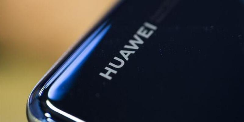 Huawei CEO'su Zhengfei 30 milyar dolarlık düşüş bekliyoruz